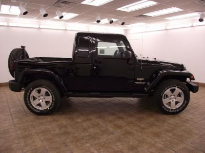 2012 JEEP WRANGLER UNLIMITED - BLACK ON BLACK