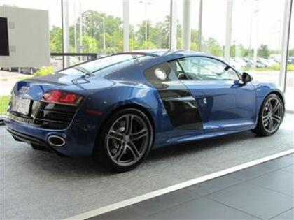 2012 AUDI R8 QUATTRO - BLUE ON BLACK 3
