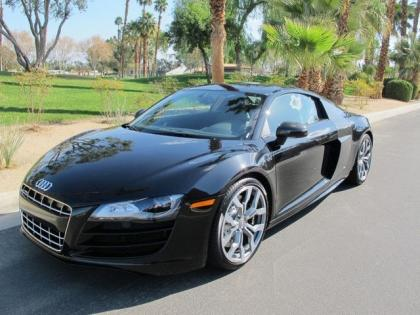 2012 AUDI R8 5.2 QUATTRO - BLACK ON BLACK