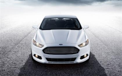 2013 FORD FUSION SE - WHITE ON BLACK
