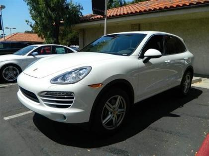 2013 PORSCHE CAYENNE DIESEL - WHITE ON BLACK