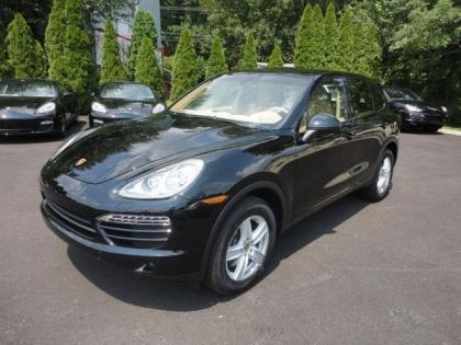 2013 PORSCHE CAYENNE BASE - BLACK ON BEIGE