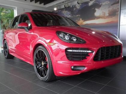 2013 PORSCHE CAYENNE GTS - RED ON BROWN
