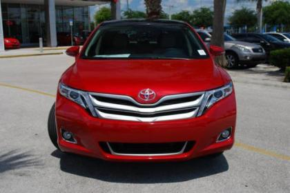 2013 TOYOTA VENZA LIMITED - RED ON BEIGE