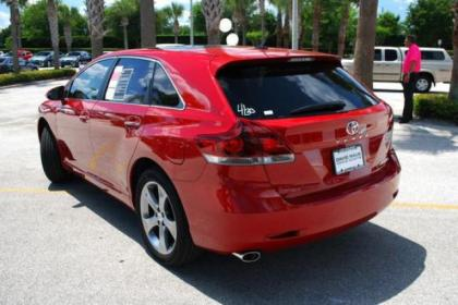 2013 TOYOTA VENZA LIMITED - RED ON BEIGE 2