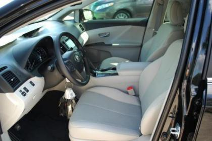 2013 TOYOTA VENZA LE - BLACK ON BEIGE 3