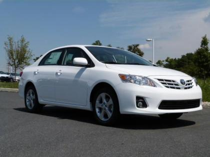 2013 TOYOTA COROLLA LE - WHITE ON GRAY