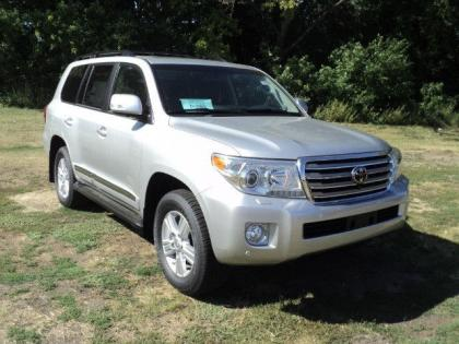 2013 TOYOTA LAND CRUISER V8 - SILVER ON BLACK