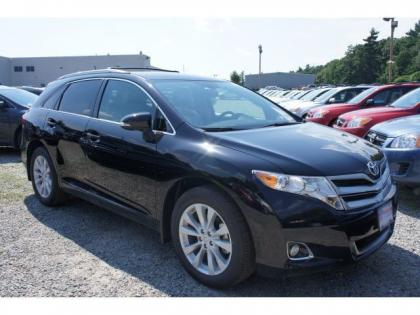 2013 TOYOTA VENZA LE - BLACK ON BEIGE 1