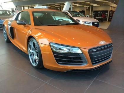 2014 AUDI R8 PLUS - ORANGE ON BLACK 1