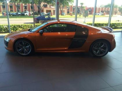 2014 AUDI R8 PLUS - ORANGE ON BLACK 2