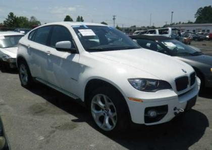 2011 BMW X6 BASE - WHITE ON RED