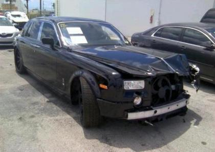 2004 ROLLS ROYCE GHOST V12 - BLACK ON BLACK