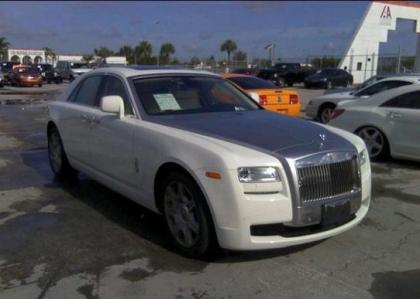 2011 ROLLS ROYCE GHOST V12 - WHITE ON WHITE