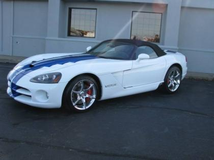 2010 DODGE VIPER SRT-10 - WHITE ON BLACK