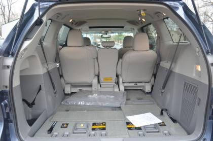 export used 2014 toyota sienna xle gray on gray. Black Bedroom Furniture Sets. Home Design Ideas