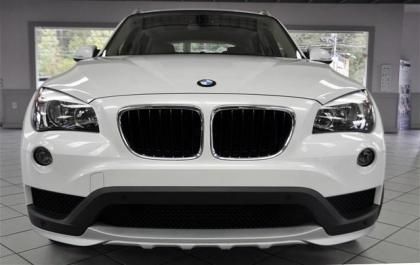 export used 2015 bmw x1 sdrive28i white on beige. Black Bedroom Furniture Sets. Home Design Ideas