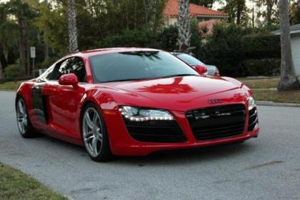 2009 AUDI R8 6-SPEED MANUAL - RED ON BLACK